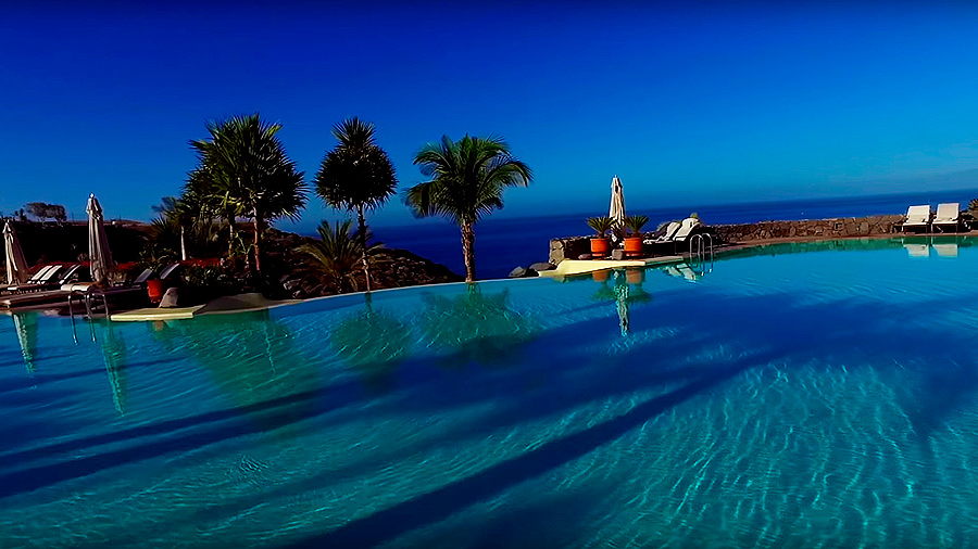 Golfreise Teneriffa - Hotel Ritz Carlton Abama - Im Pool