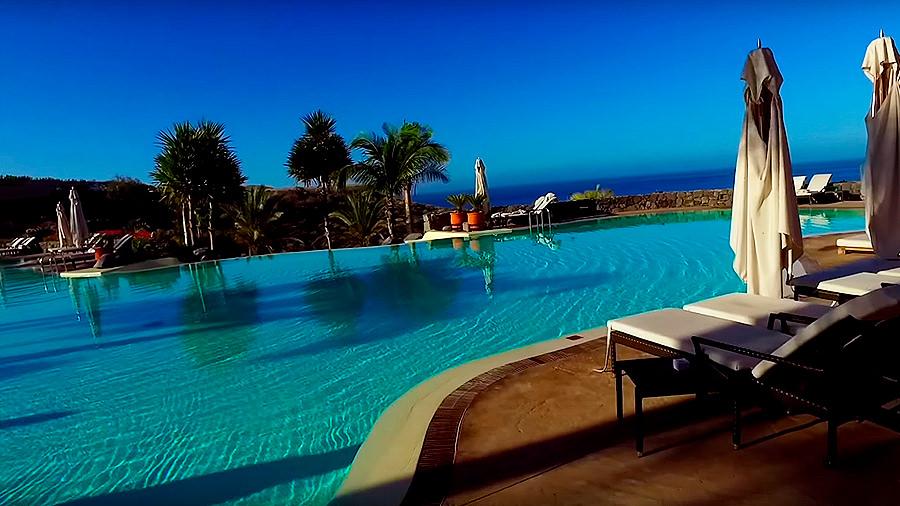 Golfreise Teneriffa - Hotel Ritz Carlton Abama - Pool Liegen