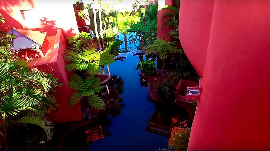 Golfreise Teneriffa - Hotel Ritz Carlton Abama - Wasserlauf